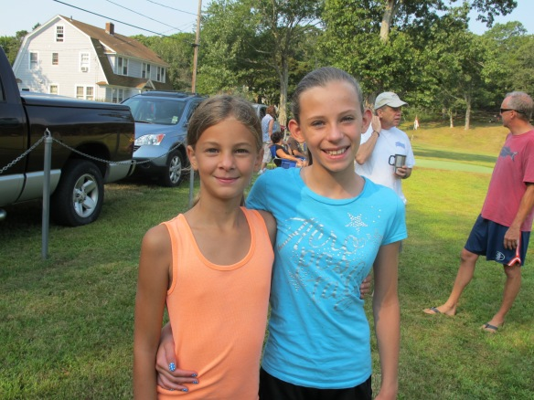 Best friends Carolyn and Bella
